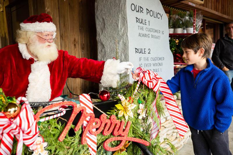 T.J. Leonard_s Christmas Shop 2020 #46